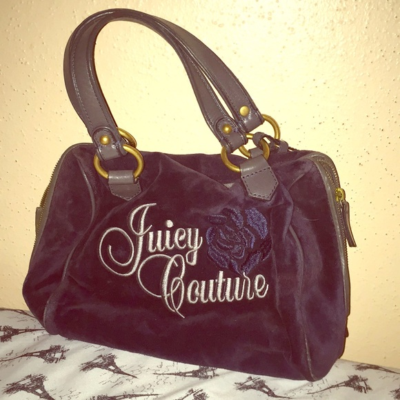 Juicy Couture Handbags - Juicy couture bag 😍💙.price is firm 💞. 5336dd5b2cd0